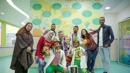La cura ha il suono di una risata: il racconto di un clown tra i bambini palestinesi