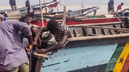 Ghana, tratta e sfruttamento: i bambini pescatori del lago Volta