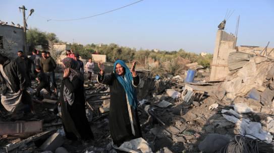 Bombe su Gaza: l'ennesimo racconto a metà